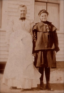 Johanna and daughter Agnes circa 1905